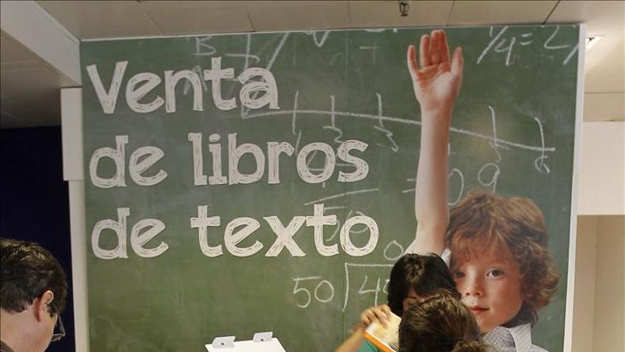 Becerril pide que se fomente la reutilización de los libros de texto
