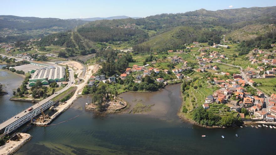 La concesión de Costas a Pontesa, a la izquierda, junto a la desembocadura del río Verdugo a la ría de Vigo