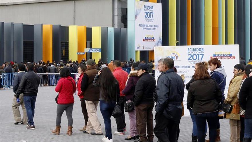 Casi 170.000 ecuatorianos en España convocados a votar en la segunda vuelta