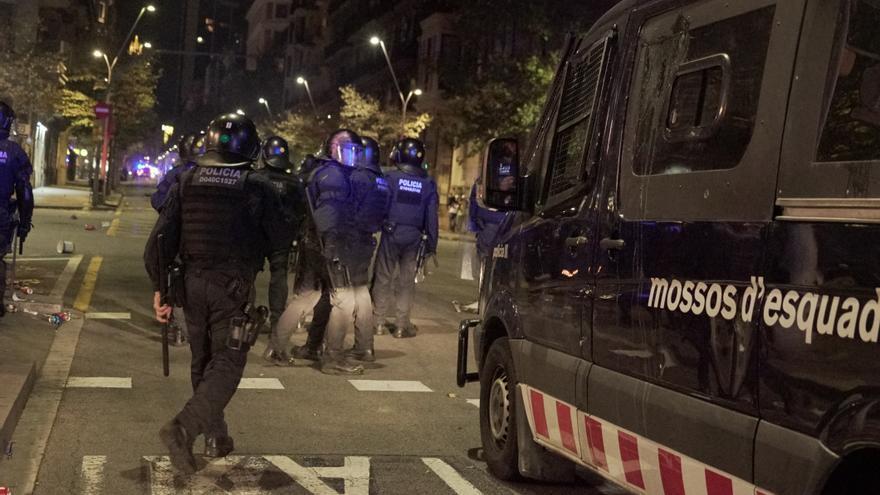 Furgón de los Mossos d'Esquadra en la concentración del jueves en Barcelona