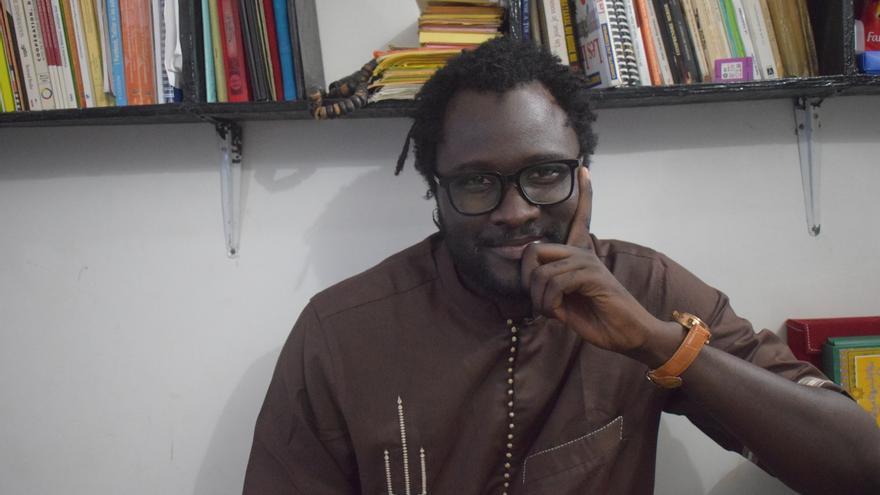 Cheikh Fall, durante la entrevista. (ALICIA JUSTO)