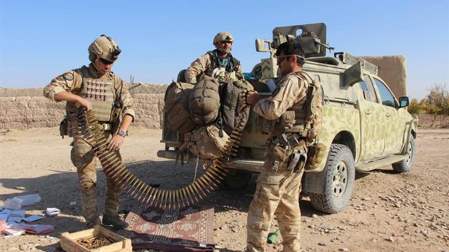 Cientos de afganos protestan por la muerte de 30 civiles en una operación militar