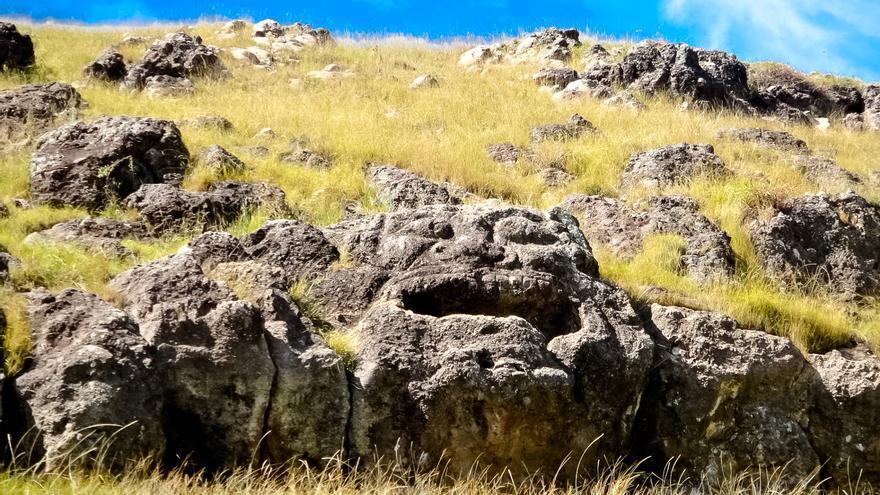 El 'Vahia Heva' una fuente ritual de los antiguos pascuences en la Península de Poike.