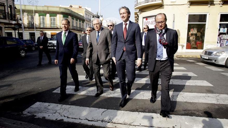 Fomento mantiene compromiso de bonificar 50 % al transporte extrapeninsular