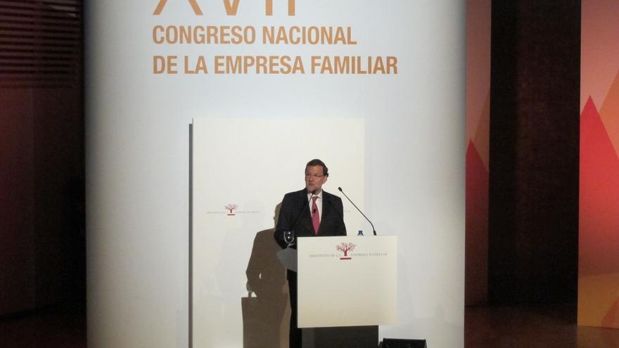 """Rajoy avisa de que en países donde se """"castigó"""" a grandes partidos y """"llegaron otras cosas, ahora no levantan cabeza"""""""