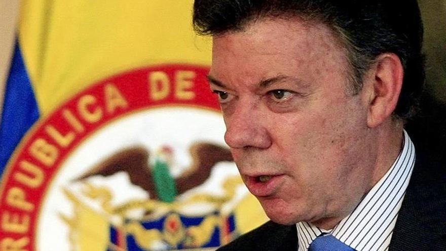 Santos viaja a Londres para asistir a un foro de inversión y a la cumbre anticorrupción
