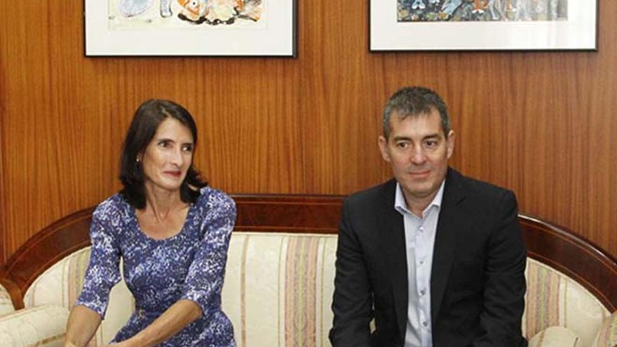 Teresa Lorenzo y Fernando Clavijo.