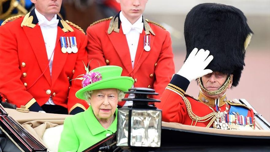 Isabel II envía su pésame a Francia por el ataque en Niza
