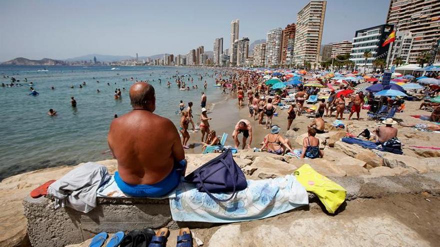 El turismo extranjero sube la ocupación en Benidorm pese a la caída de españoles