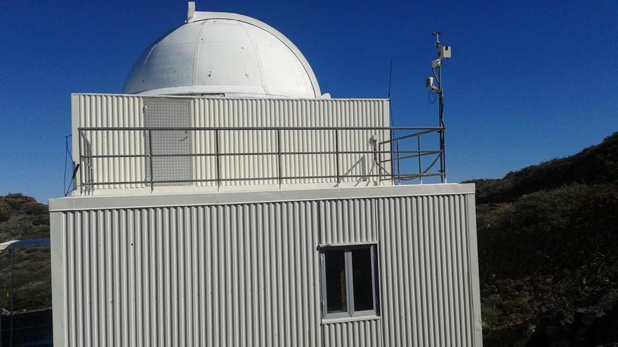 El Telescopio KVA se instaló en el Roque de Los Muchachos en el año 1982, tres antes de la inauguración oficial del Observatorio de Astrofísica de La Palma ubicado en las cumbres de Garafía.