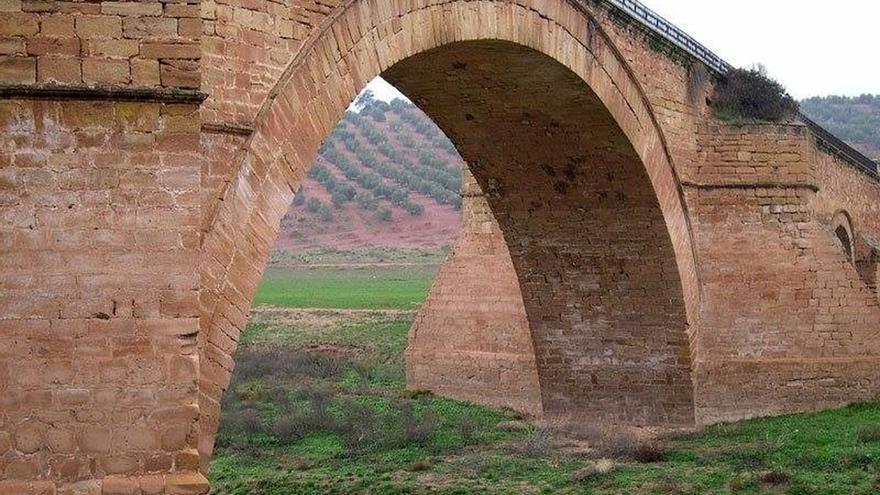Úbeda por la Cultura recoge en torno a 4.000 firmas para que el puente de Vandelvira no siga sumergido