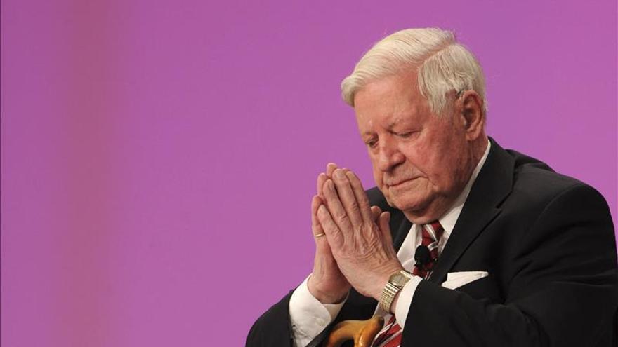 """Panamá destaca la """"indiscutible"""" contribución del excanciller Schmidt en Europa años"""