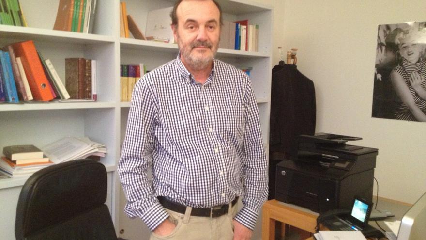 El presidente dimisionario de la comisión de gramática de Euskaltzaindia, el catedrático y ex rector de la UPV Pello Salaburu. /EDN