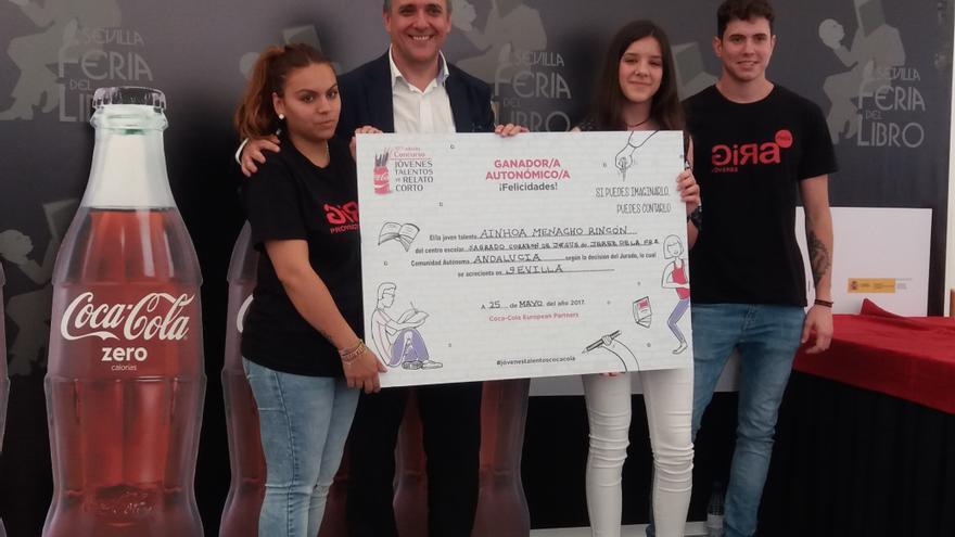 Ainhoa Menacho, ganadora regional del Concurso de Relatos Cortos de Coca Cola