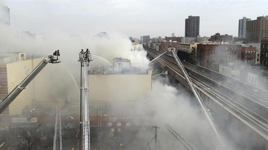 Al menos cinco muertos por un incendio en Nueva York