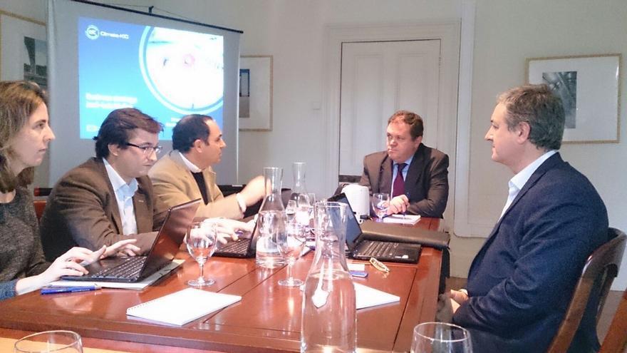 El Director de Climate-KIC España, José Luis Muñoz, a la derecha, en una reunión en Portugal.