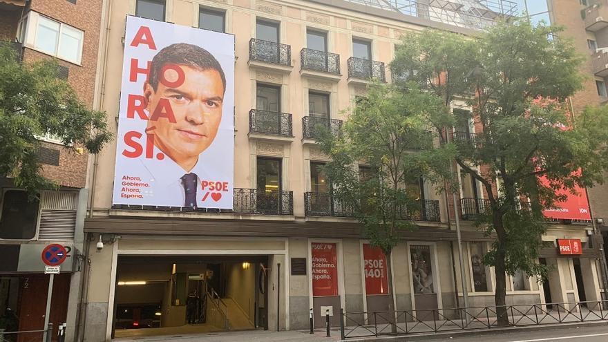 Archivo - Foto de archivo de la fachada de la sede del PSOE de la calle Ferraz, con el lema de campaña para las elecciones generales de noviembre de 2019