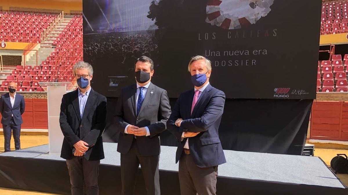 Bellido en la firma del convenio de la Plaza de Toros y Grupo Mundo