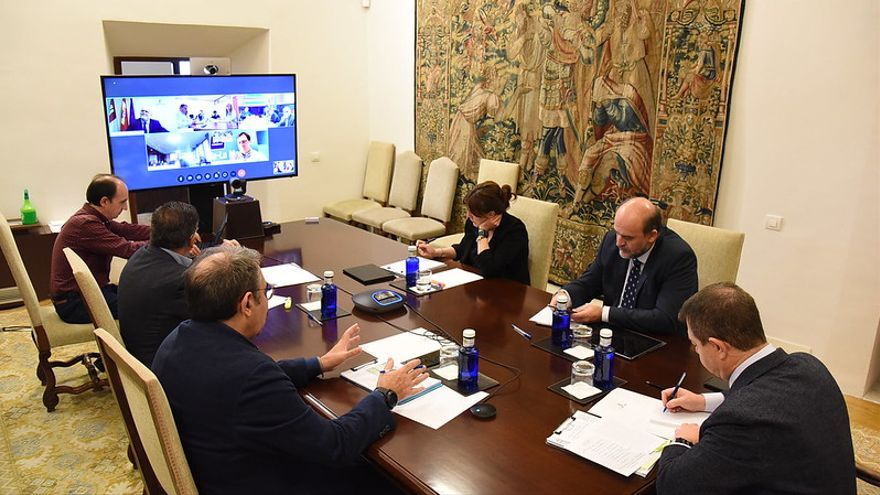 Videoconferencia con los delegados provinciales de la Junta de Castilla-La Mancha