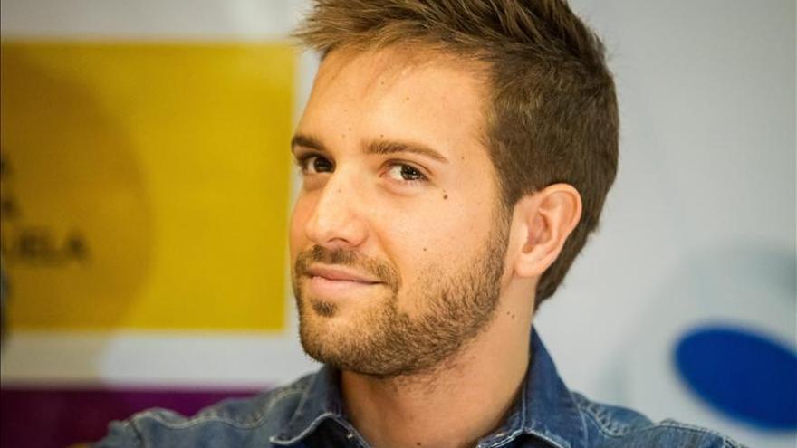 Pablo Alborán enamora a Caracas con su romanticismo