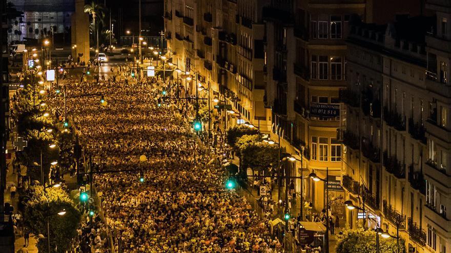 Miles de corredores participaron en la 15K Nocturna de Valencia