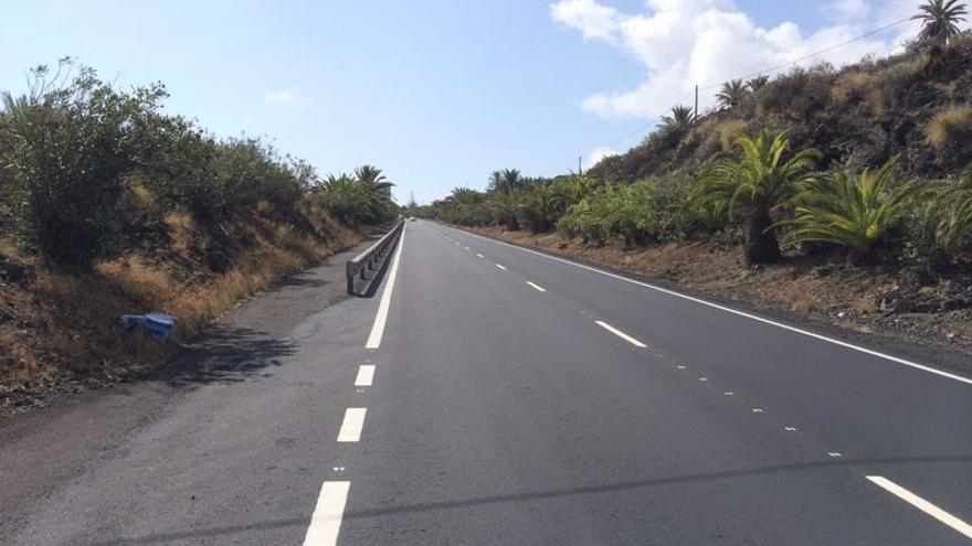 En la imagen, tramo asfaltado de la carretera del Aeropuerto.