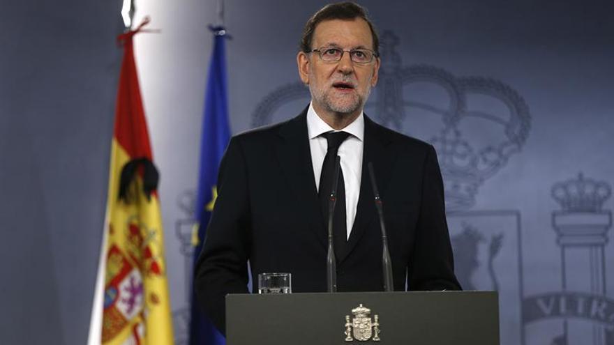 Rajoy ofrece a Francia un compromiso leal y colaboración frente a los terroristas