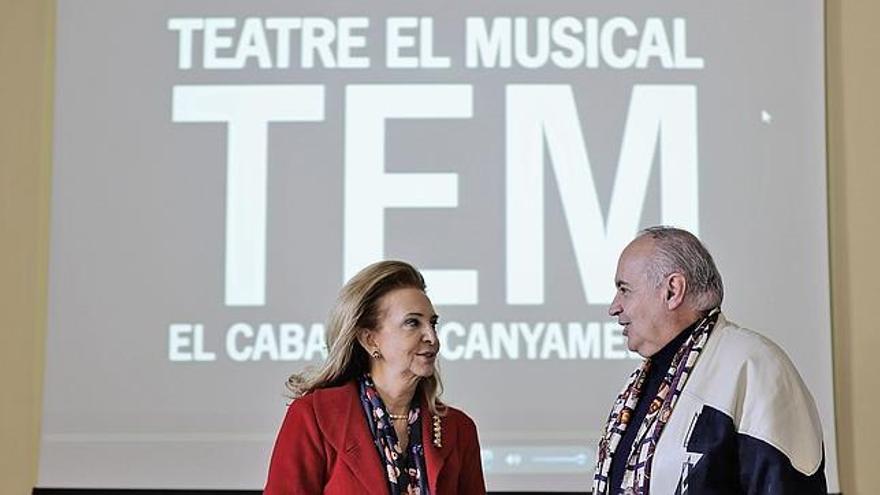 La concejal Mayrén Beneyto y José Luis Moreno, en una rueda de prensa.