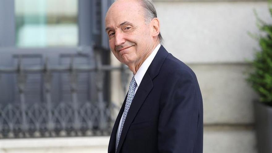 Miquel Roca: Iniciar un proceso de reforma por reformar suele terminar mal