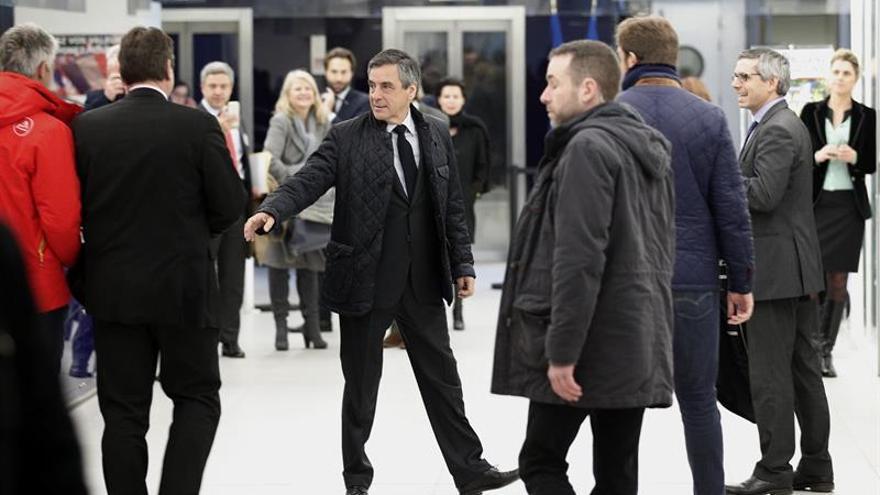 Fillon dice ser víctima de una instrumentalización de la justicia
