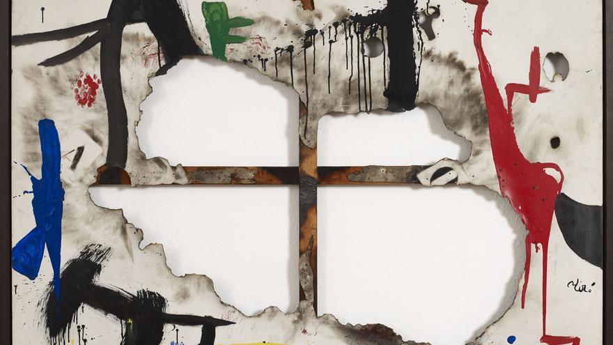 JOAN MIRÓ. Tela cremada, 1974.  Fundació Joan Miró. © Successió Miró 2018.