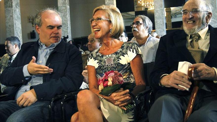 El diputado Carlos Martínez Gorriarán, Rosa Díez y Álvaro Pombo en un acto de UPyD.