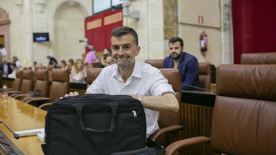 Maíllo deja su escaño y la coordinación de IU Andalucía y solicita su reingreso como profesor de Latín