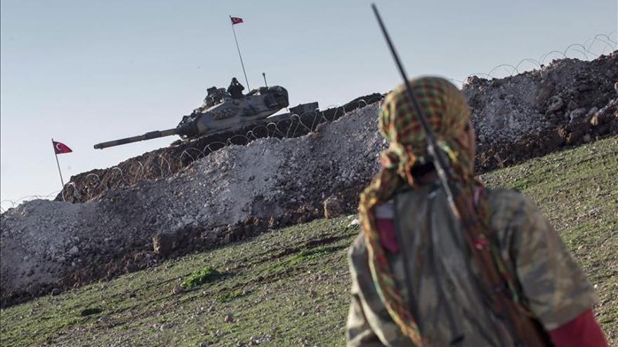 Al menos 34 muertos en un ataque contra el cuartel de la Inteligencia en Alepo