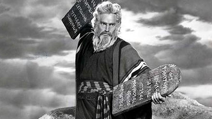 """Escena de """"Los diez mandamientos"""" de Cecil B. de Mille"""