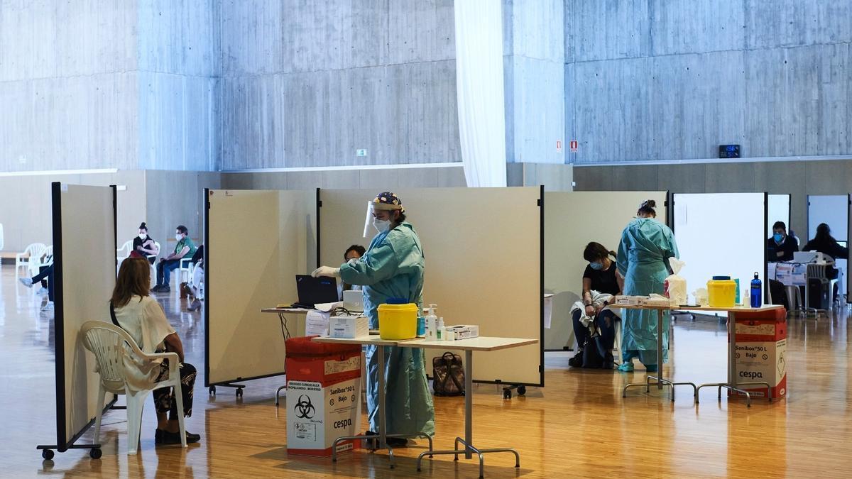 Vacunación contra el Covid en el Palacio de Exposiciones de Santander