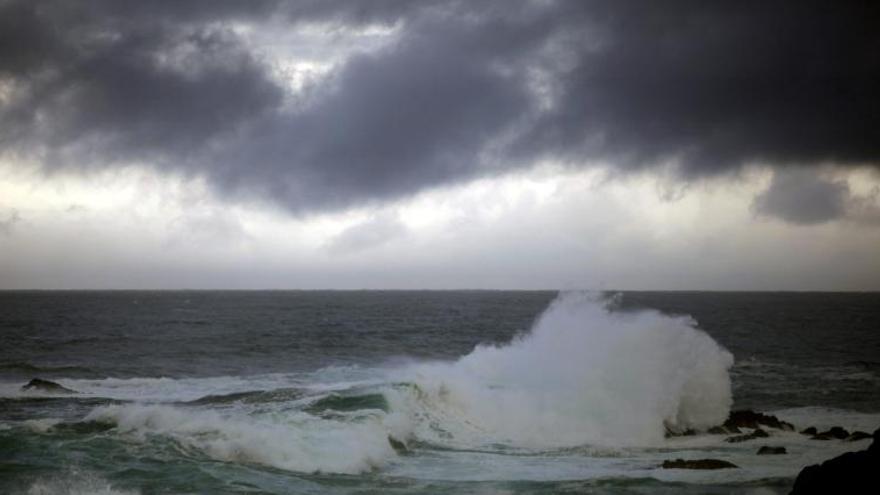 Lluvia, nieve y olas de 6 metros activan la alerta en veintiuna provincias