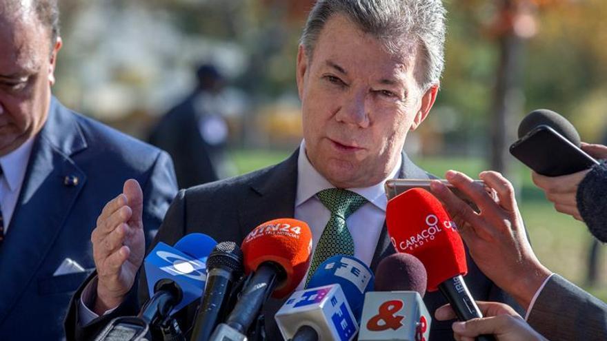 El presidente Santos dice que el problema de Venezuela no está en Colombia