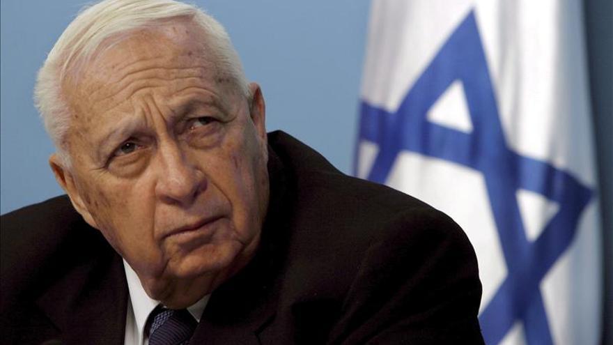 """La situación del ex primer ministro israelí Ariel Sharón empeora """"día a día"""""""