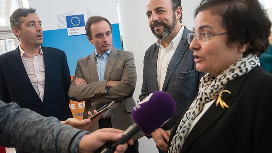 El alcalde, en el encuentro celebrado en Azuqueca con representantes de las Instituciones Europeas en España