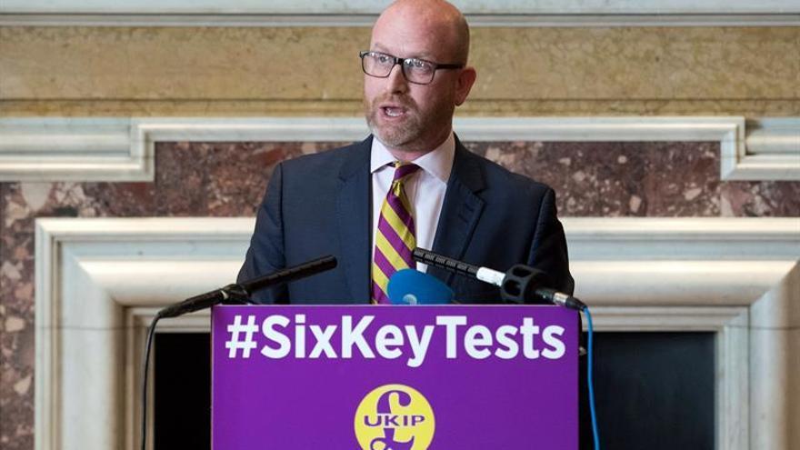 Un exmilitar asume el mando del eurófobo UKIP, que busca una nueva identidad