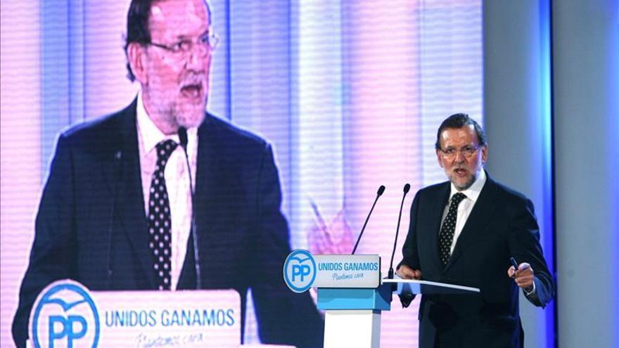 """Rajoy subraya que Cataluña es del """"cien por cien"""" de los catalanes"""