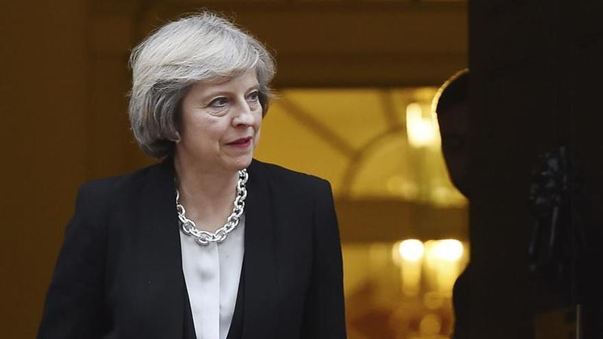 """Líderes europeos abogan por un """"brexit duro"""" para evitar populismos"""