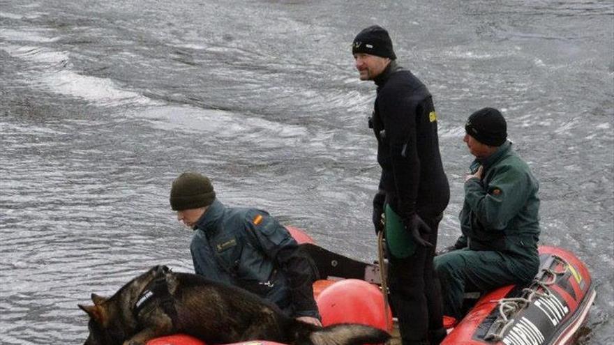 Buscan a un joven arrastrado por la corriente del río Guadalmedina en Málaga