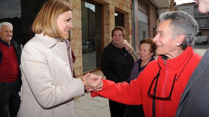 María Dolores de Cospedal visita la localidad de Honrubia