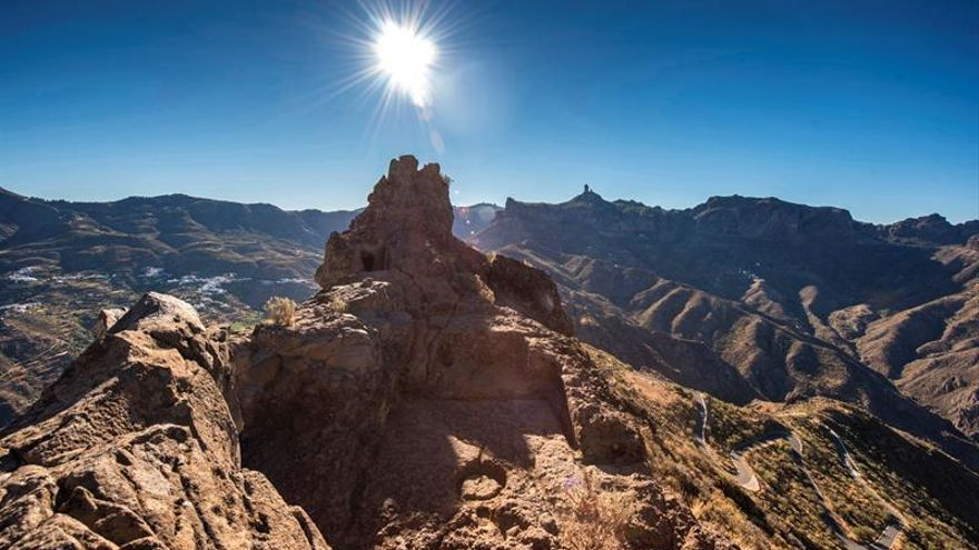 El Roque Bentayga sobre la Caldera de Tejeda