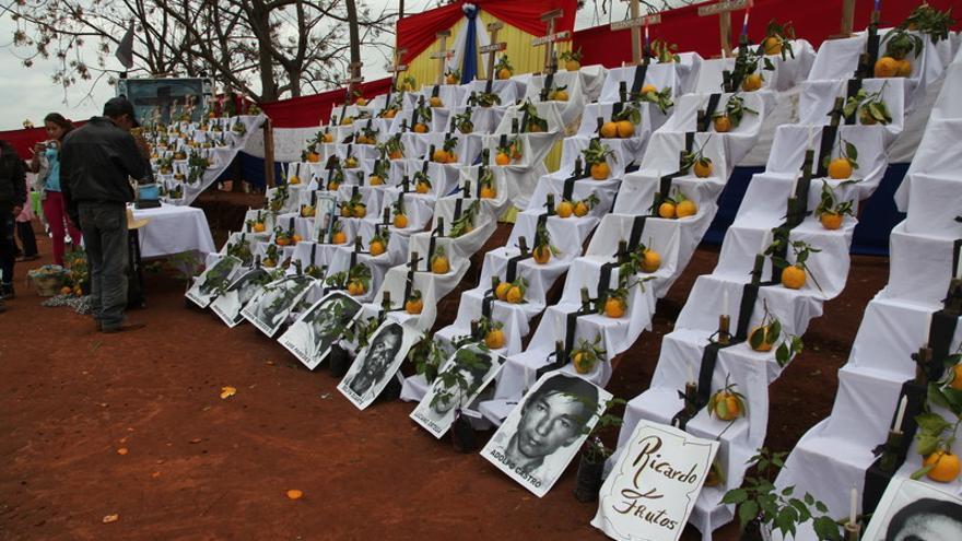 Altar dedicado a las víctimas de la masacre de Curuguaty, Paraguay/Laura Hurtado/Oxfam Intermón