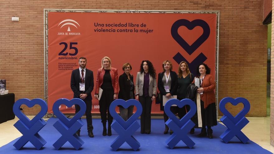 """Ruiz afirma que """"no cejará"""" hasta tener el pacto andaluz ante la violencia de género y lamenta """"el negacionismo absurdo"""""""