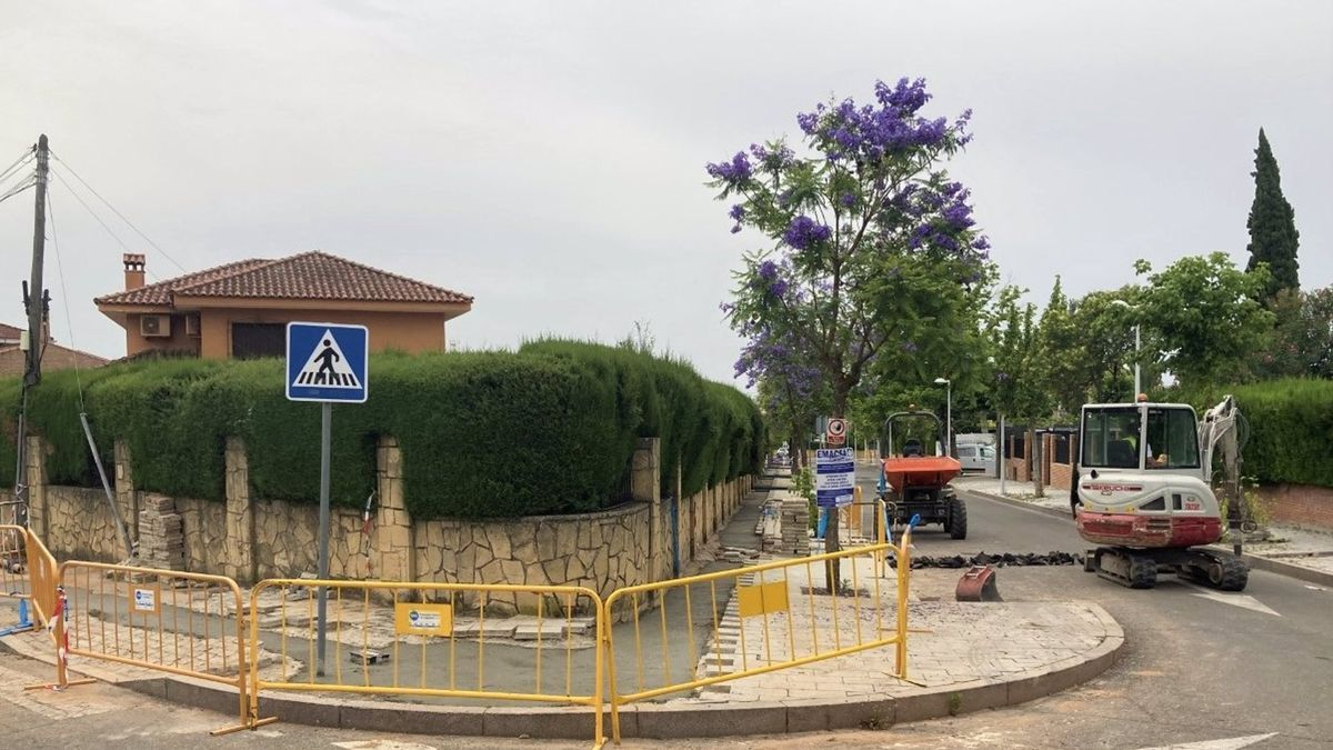Emacsa finaliza la primera fase de renovación de la red de abastecimiento de El Tablero.