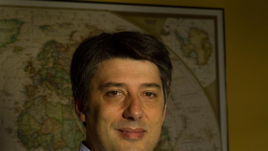 Carlos hernández, autor de 'Un intruso en la familia'.